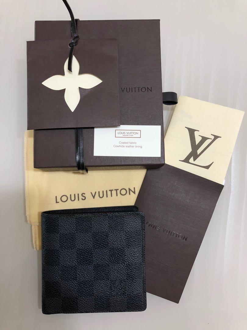 5131c29a22cc Louis Vuitton Men s Wallet