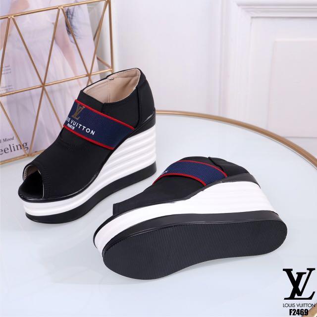 Louis Vuitton Slip on shoes,Kirim dari Batam