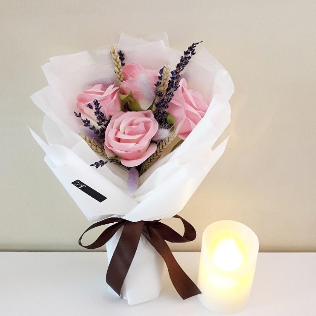 Pink Artificial and Dried Flower White Bouquet Rangkaian Bunga Palsu ... df7e151d37