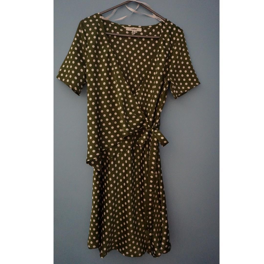 POLKA DOT WRAP DRESS Size 6