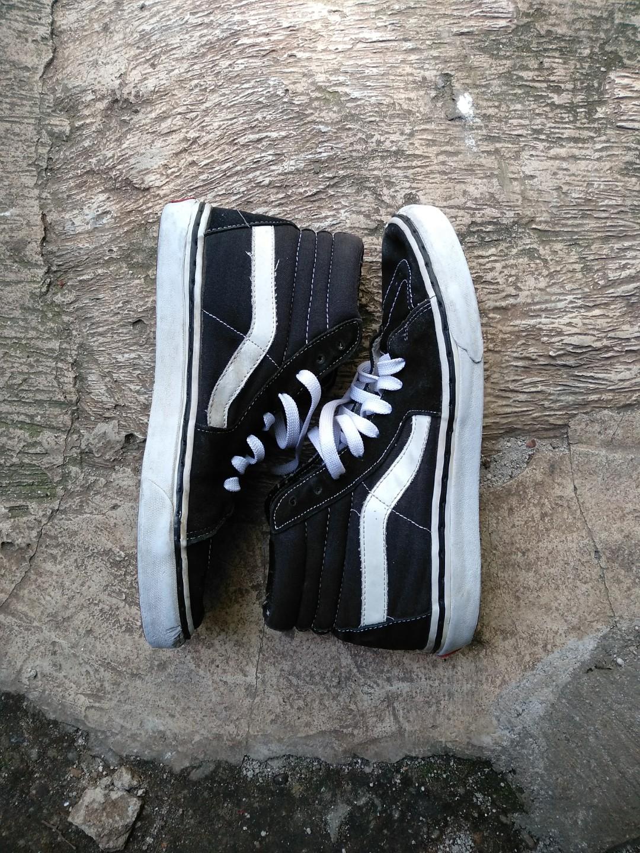 939edffa9628 Sepatu vans Sk8 hi original size 41