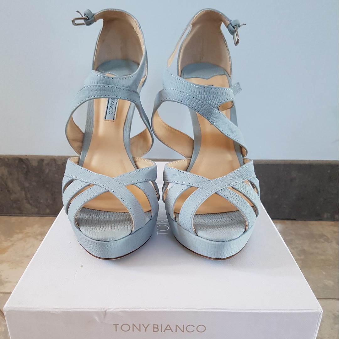 TONY BIANCO, BRAND NEW NEVER WORN BLUE HEELS, SIZE 8
