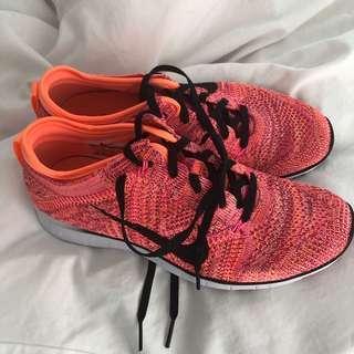 Brand NEW Nike Free TR Flyknit