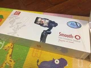 99.9%新Smooth-Q Smartphone stabilizer