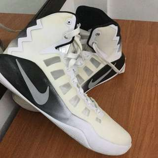 quality design ee8d5 77640 ORIGINAL USED ONCE Nike Hyperdunk 2016 TB White Black size 11