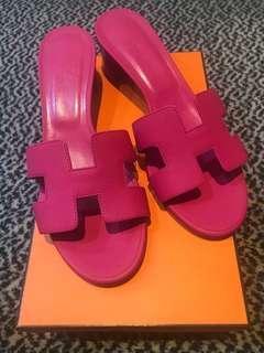 Hermes rose azalea oasis sandals size 38 at $850 Only!