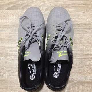 Line 7 soccer football boots uk9 eu43 kasut bola #DEC30