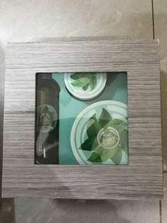 Body shop Fuji green tea body care set