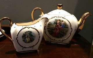 ANTIQUE Sadler /Maple tea pot