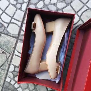 Sepatu ferragamo salvator