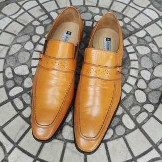 Sepatu Kerja Merek Mario Minardi