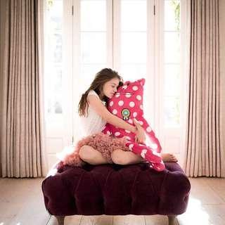 Hug cushion, Craftholic