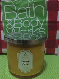 Candle BBW Bath and Body Works 3 wick candle scented