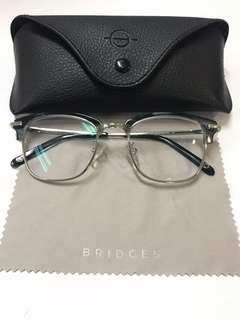 Kacamata Bridges Eyewear
