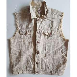 🚚 Groovy Benetton, Vintage Fashion, Funky United Colors of Benetton Style, Rare Men 012 Blue Family Jeans Designer Jacket, Sleeveless, Original, Made in ITALY, Street Fashion, Rock Star, Iconic, Fashionable, majestic vest