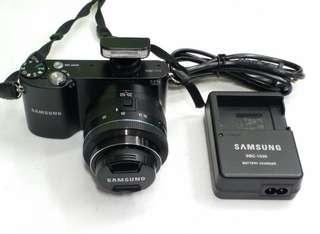 Samsung NX1000 20.3MP Wifi Digital Camera & 20-50MM Lens