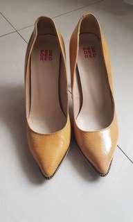Preloved high brand Pedder Red size 37