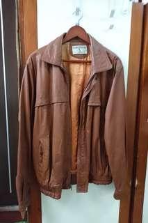 🚚 褐色牛皮皮衣