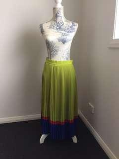 Women's high waisted vintage retro pleated skirt good condition