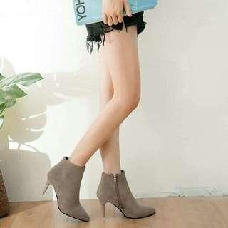 Shoes size 35/29. only 910 free shipping