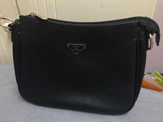 Black sling bag - medium size