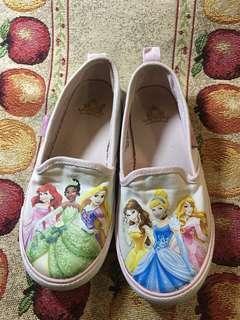 🚚 H&M 迪士尼系列帆布鞋