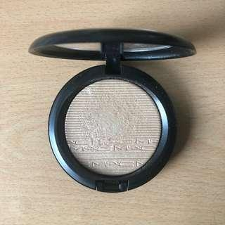 Mac Extra Dimension Skinfinish (Show Gold)