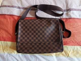 LV bag real