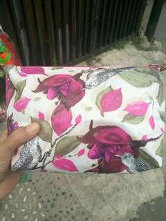 Pouch travel