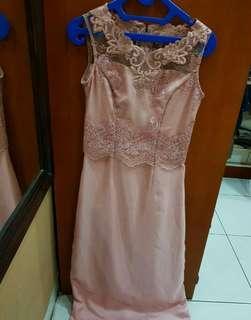 Long dress brukat