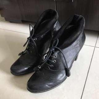 專櫃黑色真皮短靴 可兩穿法 可議