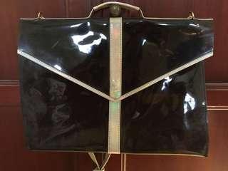 Tas hitam transparan hologram