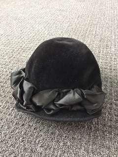 Women's vintage retro hat black flower detail felt