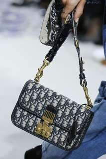 I love 2ways carry bag