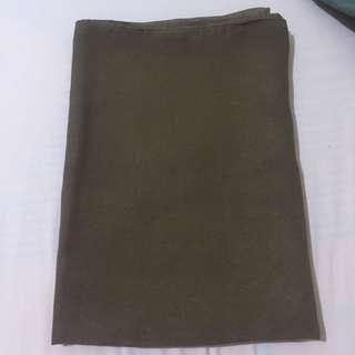 Jilbab segi empat POLYCATTON warna coklat muda