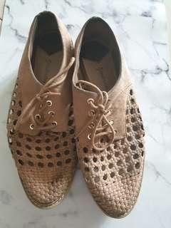 stradivarius shoes size 36