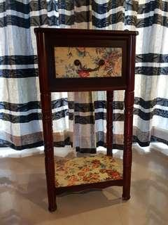 European style side table for vase, telephone, antiques