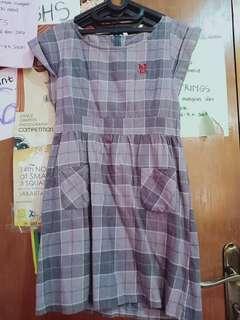 Dress Motif Kotak