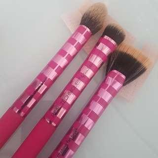 Real techniques  by sam & nic ready set glow brush set rose pink