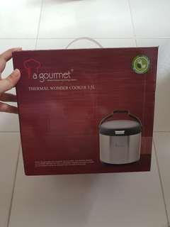 (BRAND NEW) La Gourmet thermal wonder 3.5L