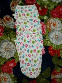 Bedung Baby / baby swaddle instant preloved
