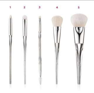 🚚 Elf beautifully precise brushes