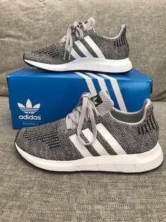 Adidas Swift Run Sneakers US6