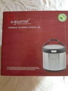 BNIB La Gourmet Thermal Wonder Cooker 3.5L