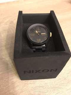 🚚 Nixon watch 九成新