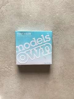 MODELS OWN Sculpt & Glow Contouring Bronzing Powder - Deep Tan