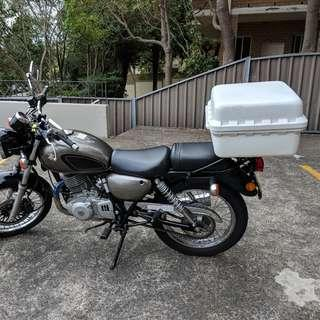 Motorcycle Pizza Box Secure Storage - Fits up to 7 pizzas!