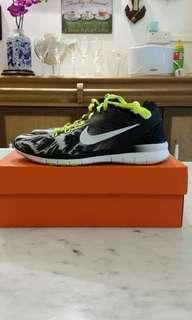 WMNS Nike Free 5.0 TR Fot 5 PRT running shoe