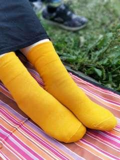 🚚 寬口舒適棉襪  文青黃