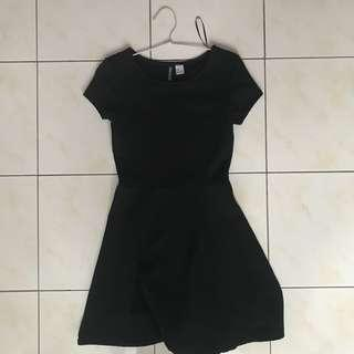 h&m divided basic black flare dress